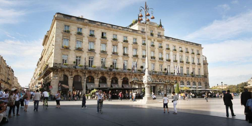 A beautiful hotel in a street loacated in the historical center of Bordeaux which is going to welcomed the NEEVA User's Club 2019